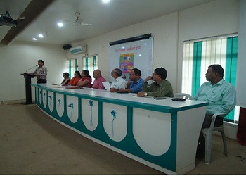 PCP diploma engg college infrastructure is Fully ventilated class rooms with projector facility.